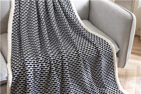 2018 most popular cheap 100% polyester fabric good quality flannel blankets